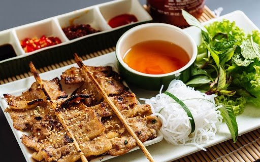 Wrap-and-roll-catering-Hanoi-Grilled-Pork-Skewers 01.jpg